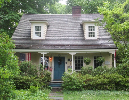 Historical Ridgefield CT home is timeless, with a more modern addition on the back.