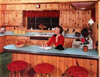 formica_1952_kitchen_retrorenovation_bkjpyn.jpg