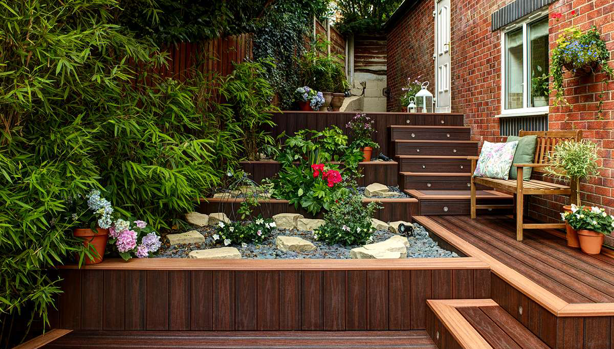 Trex Transcend Decking intricate design lava pit