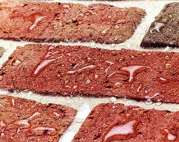 water-beading-on-bricks